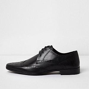 Chaussures Richelieu noires pointues en cuir