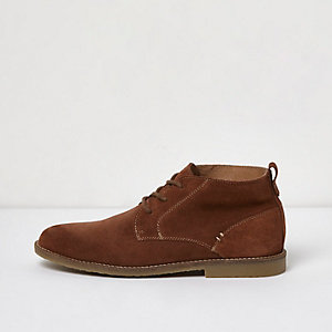 Tan brown suede desert boots