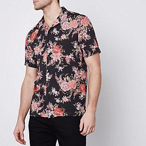 Zwart overhemd met revers, bloemenprint en korte mouwen