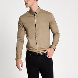 Kiezelkleurig aansluitend overhemd met lange mouwen