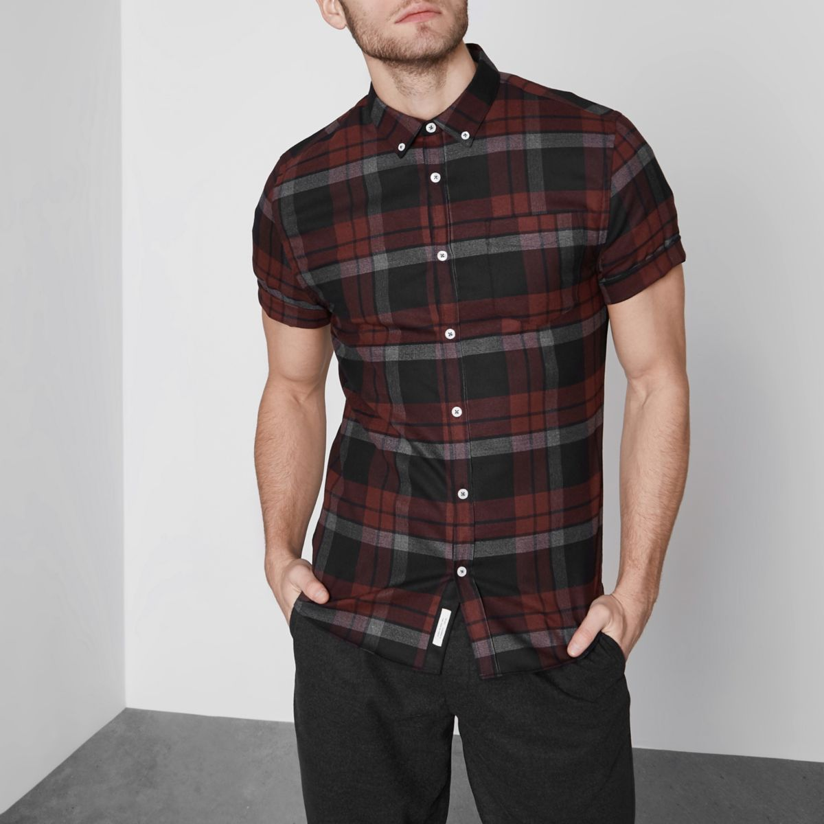 Dark red check muscle fit short sleeve shirt