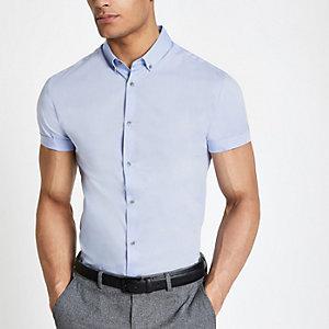 Lichtblauw aansluitend overhemd met korte mouwen