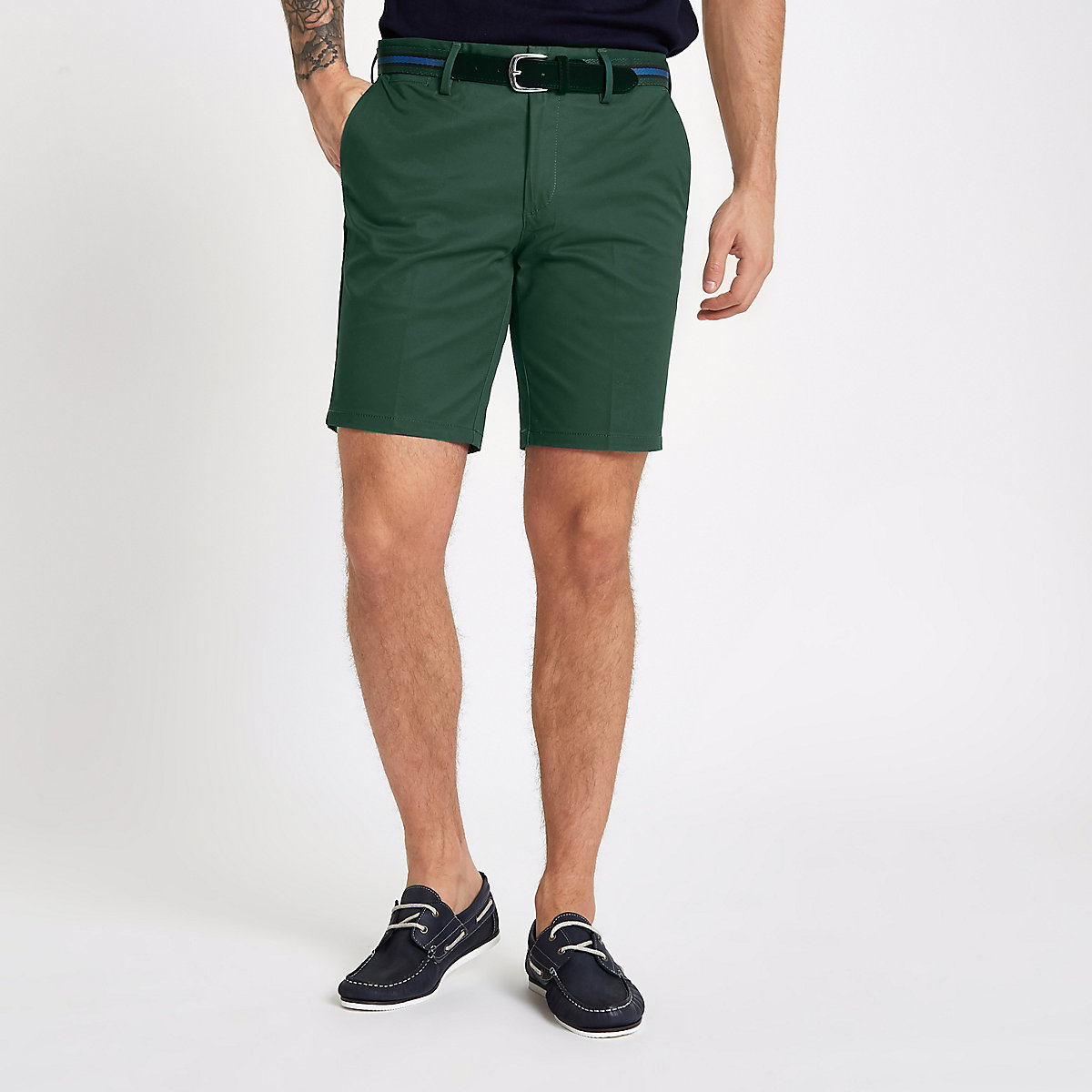 Green belt detail slim fit shorts