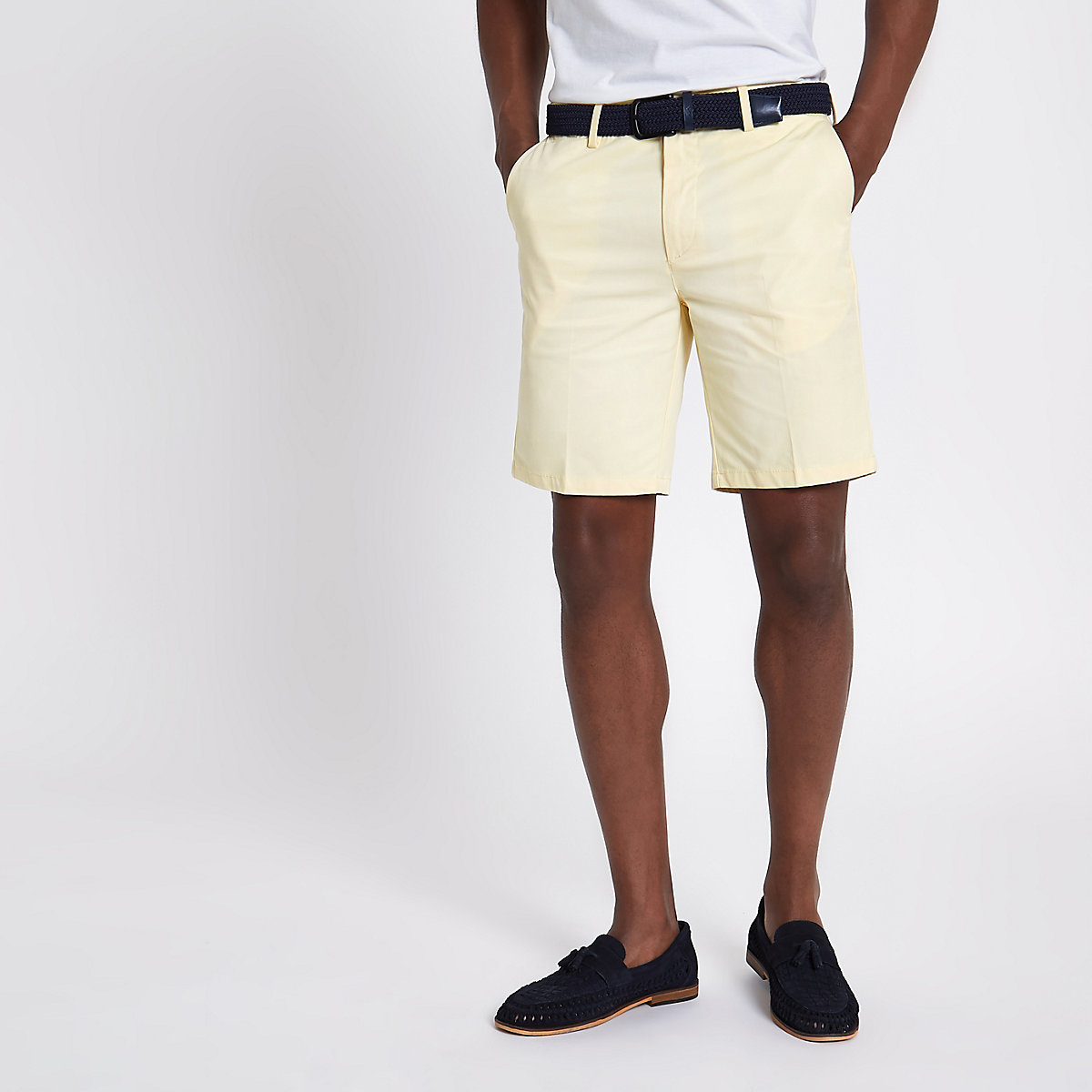 Yellow belt detail slim fit shorts