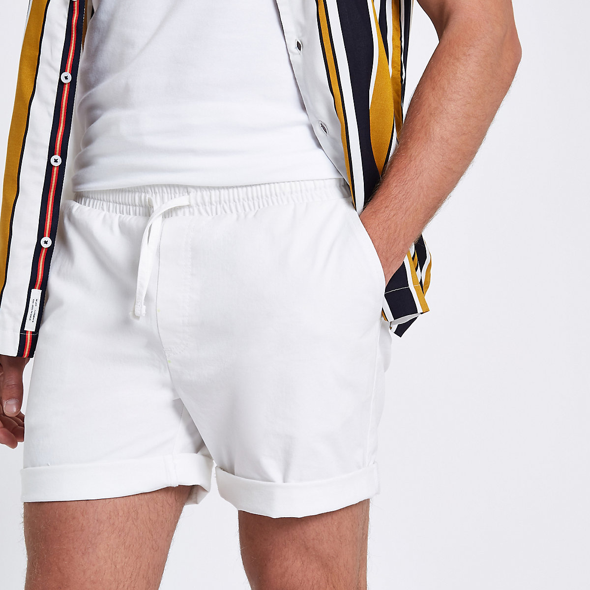 White drawstring pull on shorts
