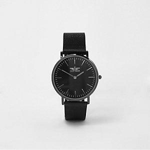 Montre noire à cadran plat rond et bracelet en maille