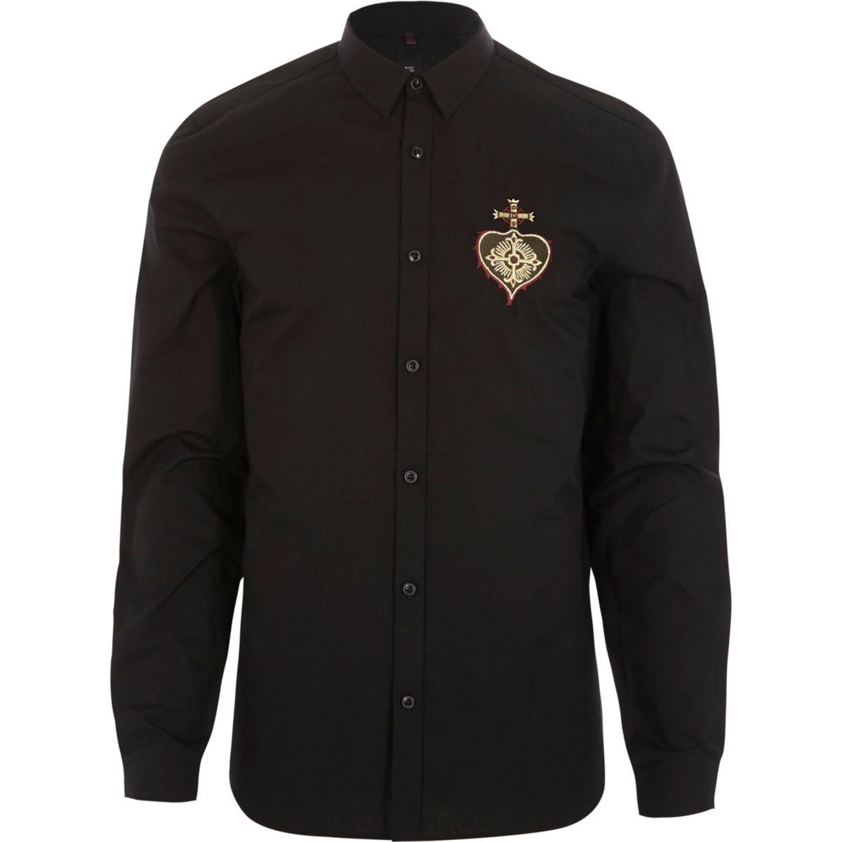 Zwart slim-fit overhemd met geborduurd hart