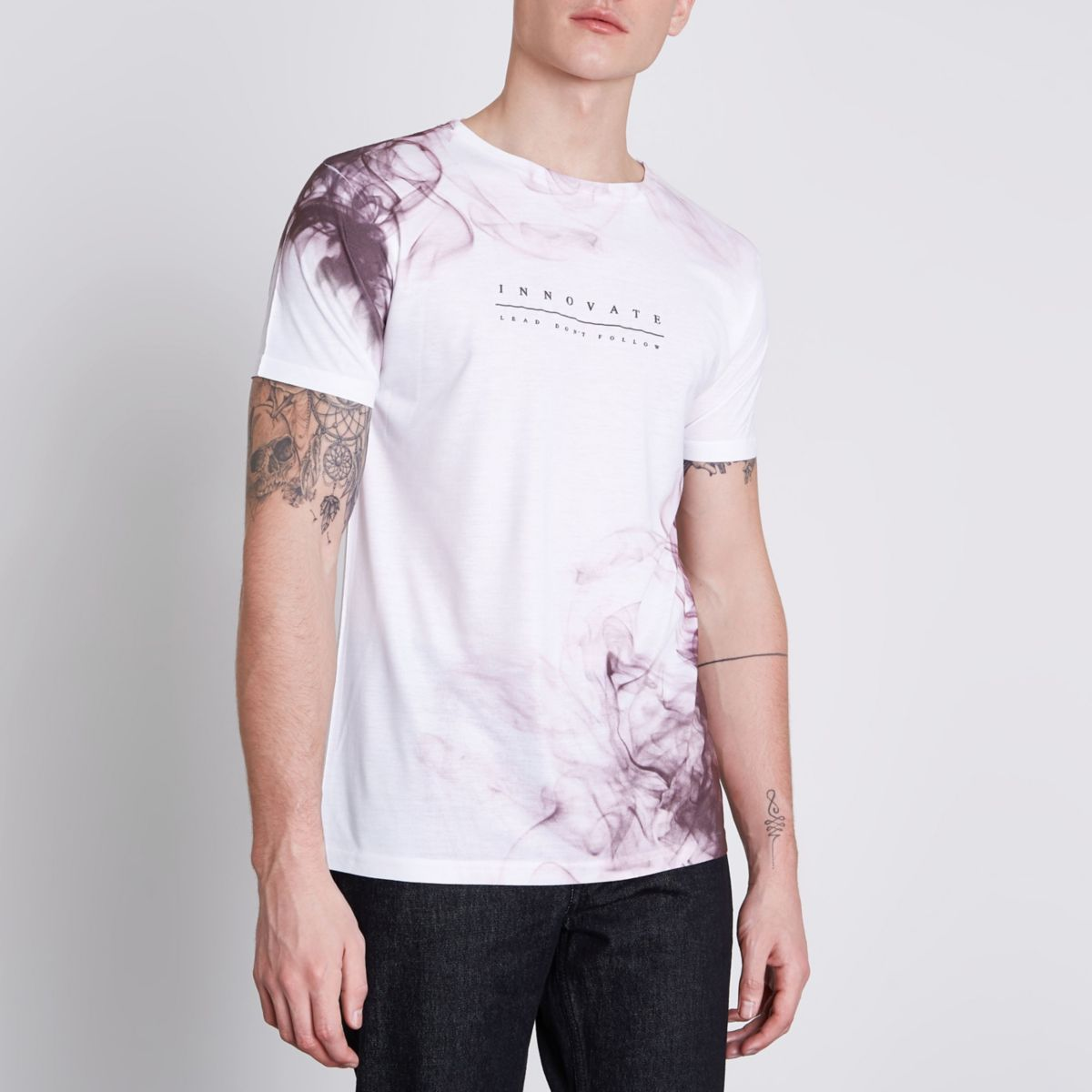 White and pink 'innovate' print T-shirt