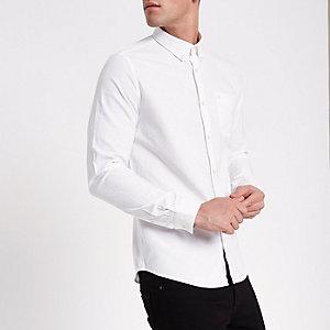 Wit Oxford overhemd met geborduurde wesp op borstzakje