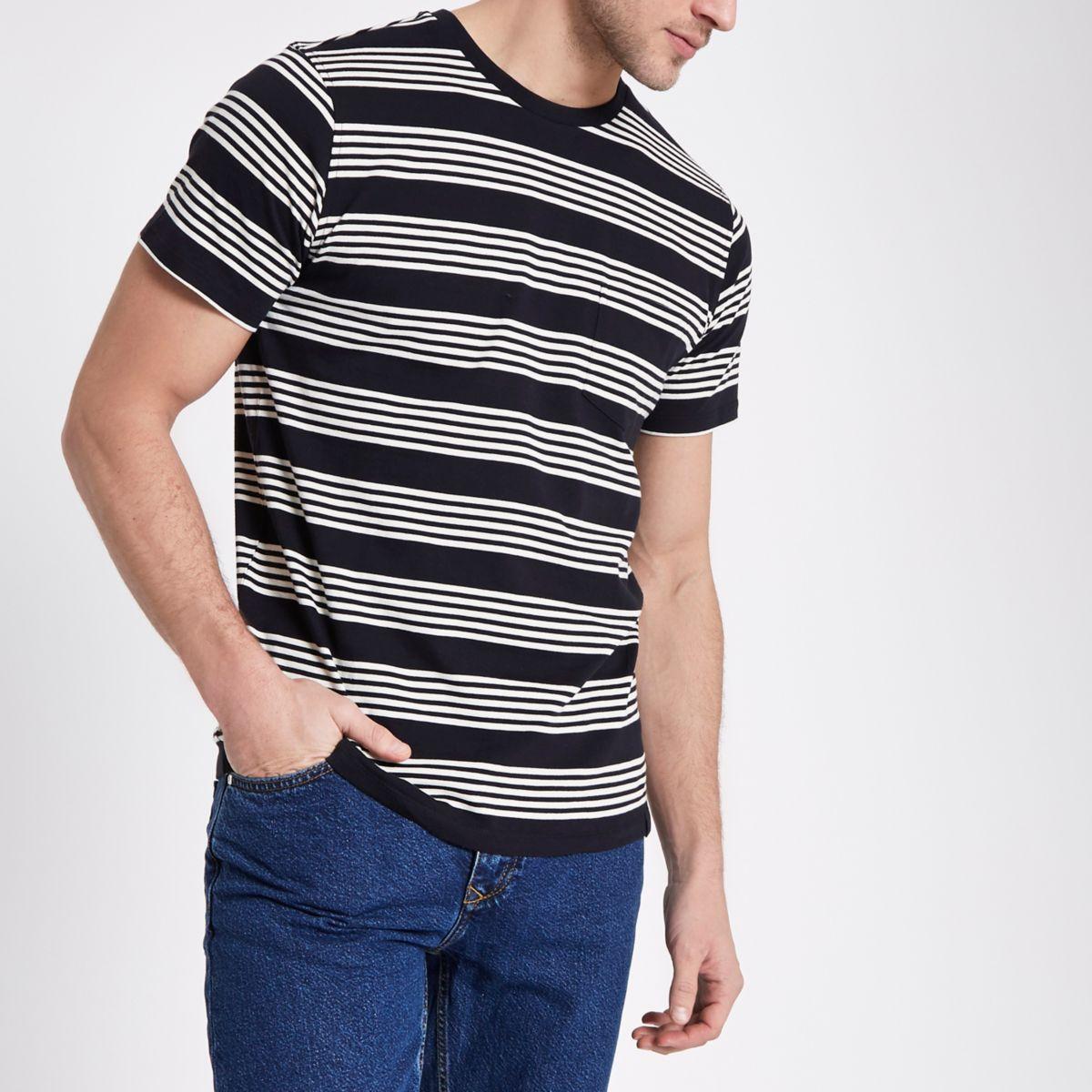 Lee – Schwarzes, gestreiftes T-Shirt mit Rundhalsausschnitt