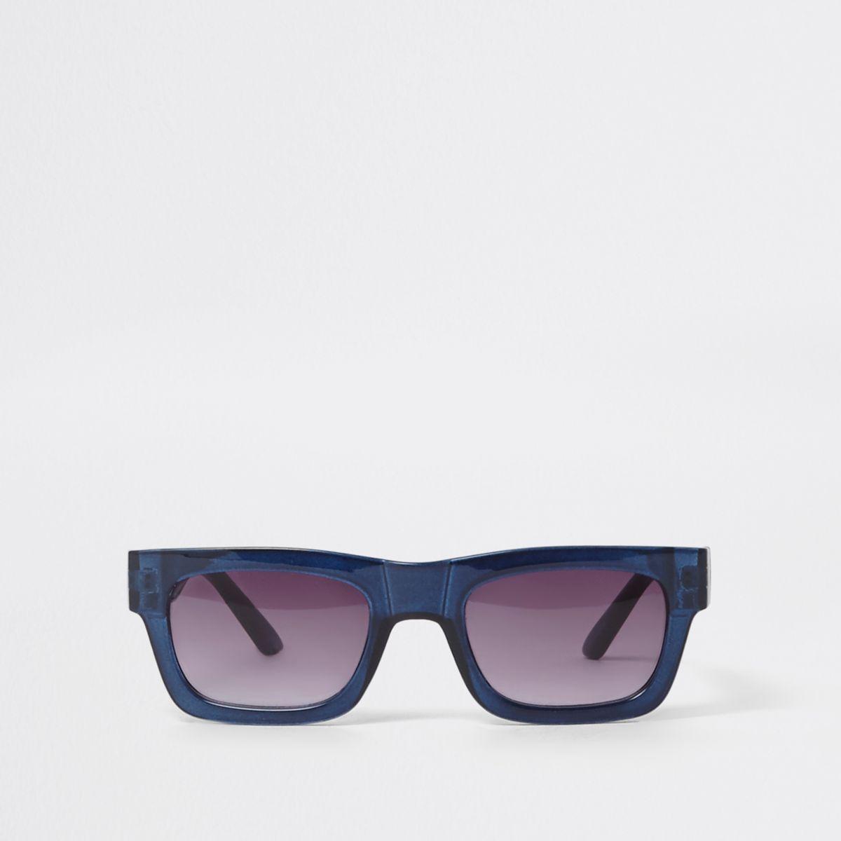 Blauwe retro zonnebril met getinte glazen