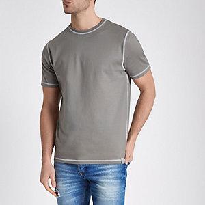 T-shirt ras-du-cou grège à surpiqûres contrastantes