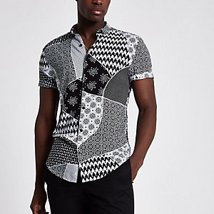 Black tile print slim fit short sleeve shirt