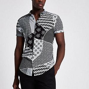 Zwart slim-fit overhemd met tegelprint en korte mouwen