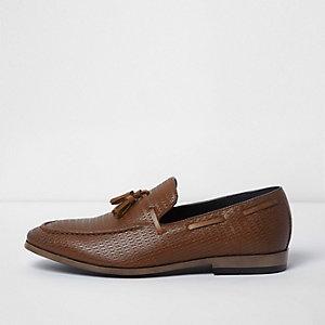 Tan woven tassel loafers