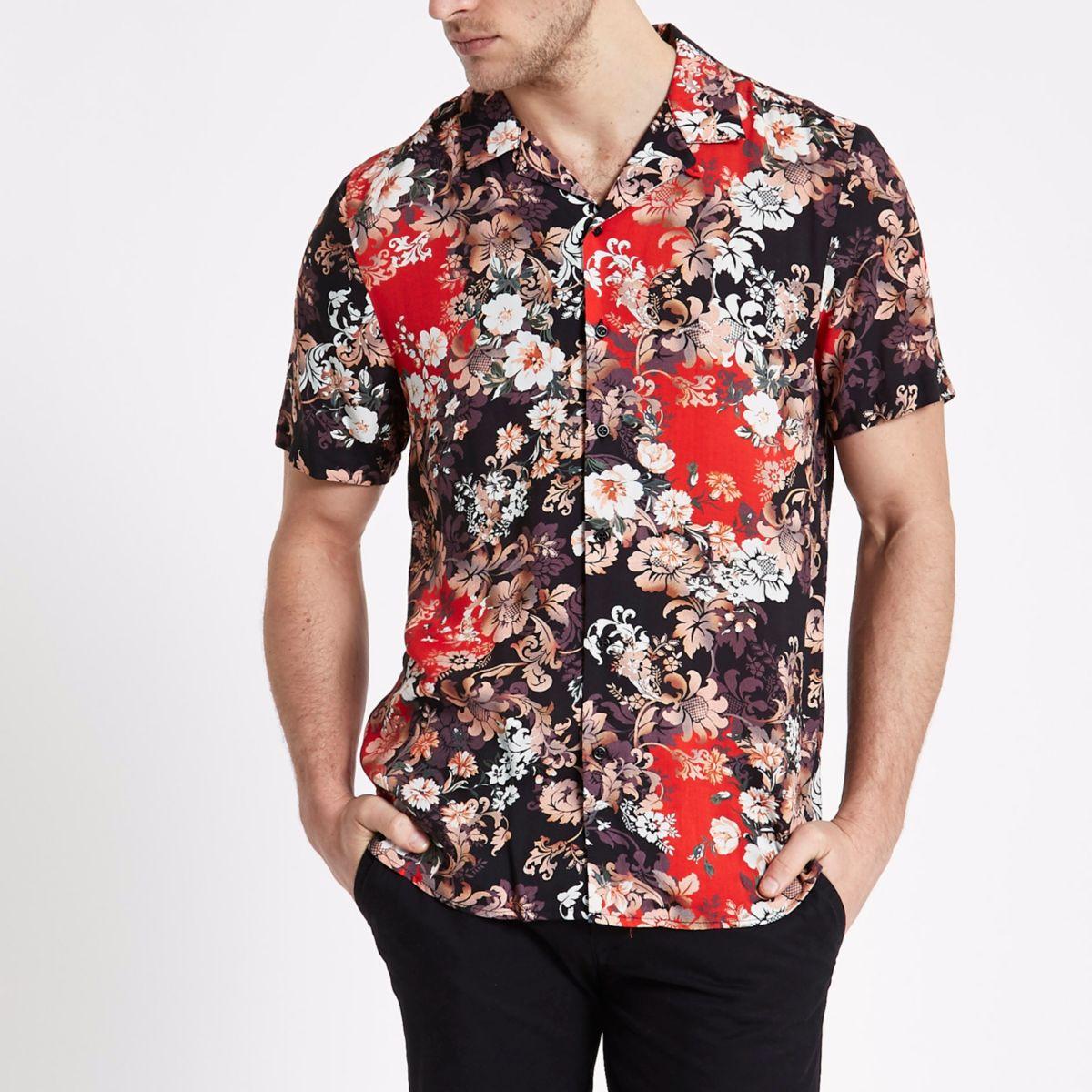 Zwart overhemd met reverskraagje, barokprint en korte mouwen