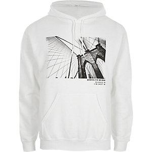 Witte hoodie met Brooklyn Bridge-print