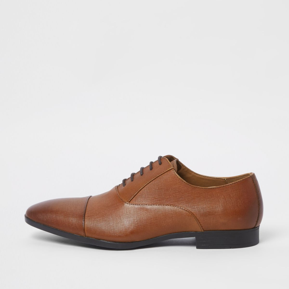 Brown leather toe cap Oxford shoes