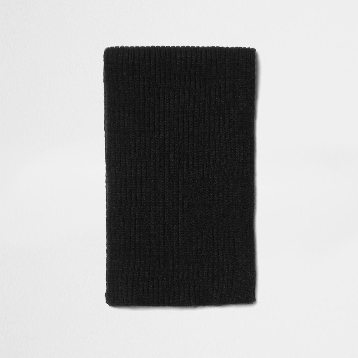 Écharpe en maille côtelée noire