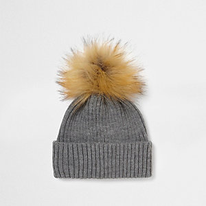 Grey rib knit faux fur bobble beanie hat