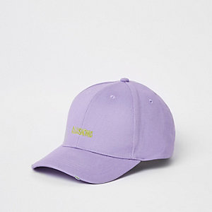 Casquette de baseball violette avec inscription 'illusions'