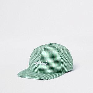 Casquette verte à carreaux vichy avec visière plate