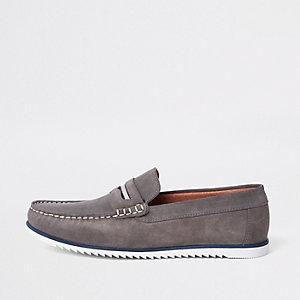 Graue Loafer aus Wildleder