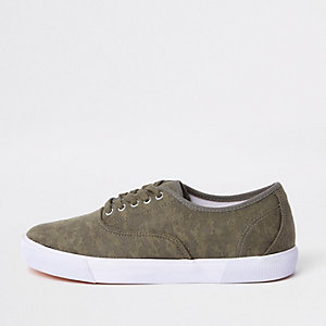 Green canvas camo print plimsolls