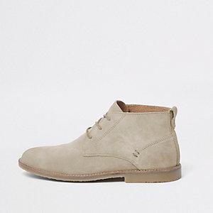 Kiezelkleurige suède desert boots met vetersluiting