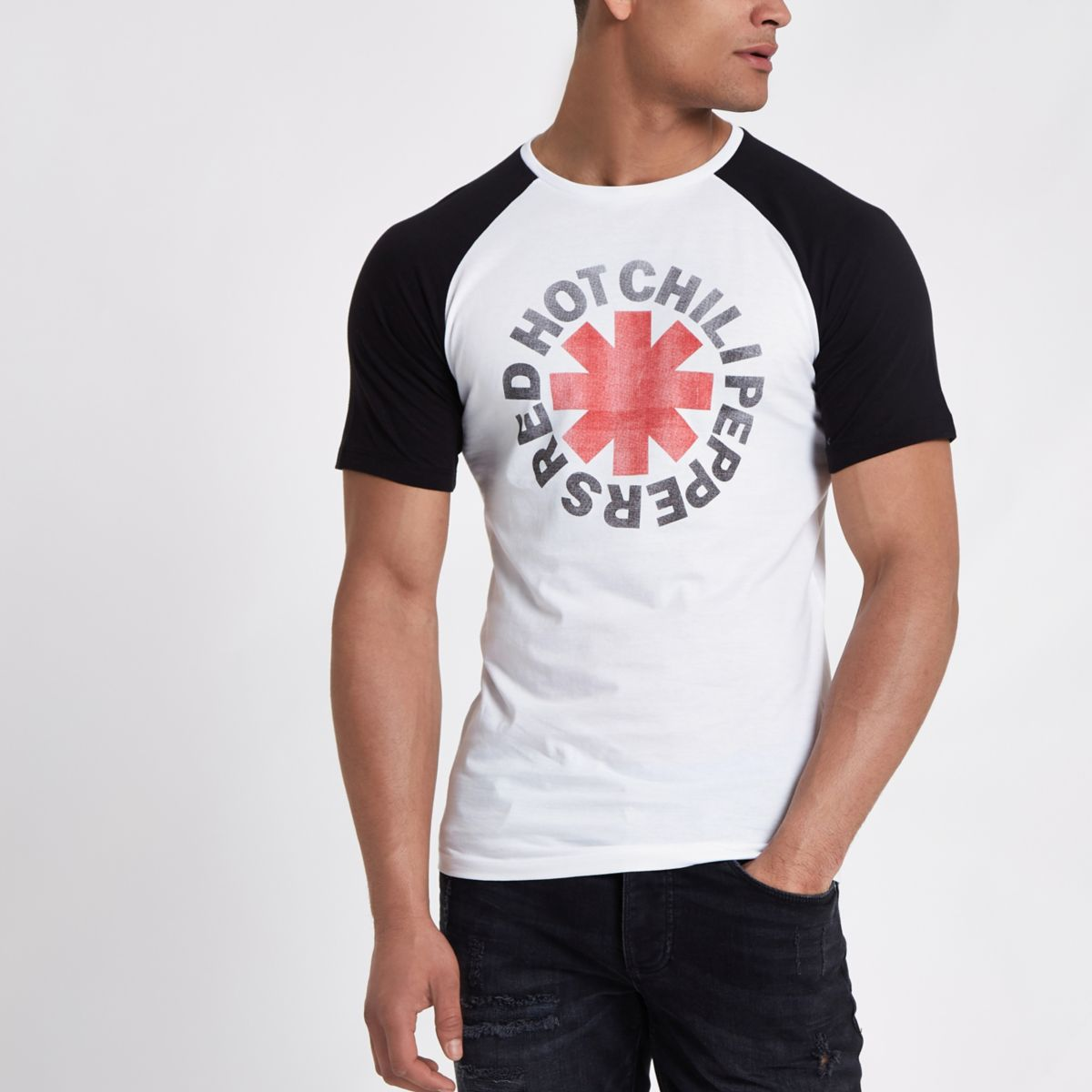 Only & Sons black muscle fit T-shirt