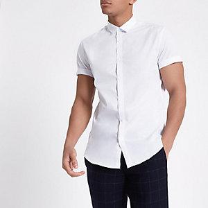 Weißes, schmales Kurzarmhemd