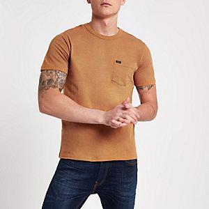 Lee – Hellbraunes T-Shirt mit Rundhalsausschnitt und Tasche