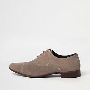 Chaussures Oxford beiges à lacets et bout rapporté
