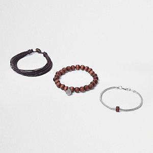 Lot de bracelets à perles en bois marron