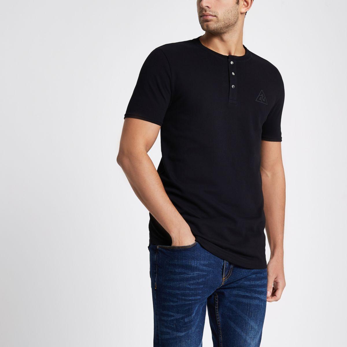 Schwarzes Muscle Fit Grandad-T-Shirt