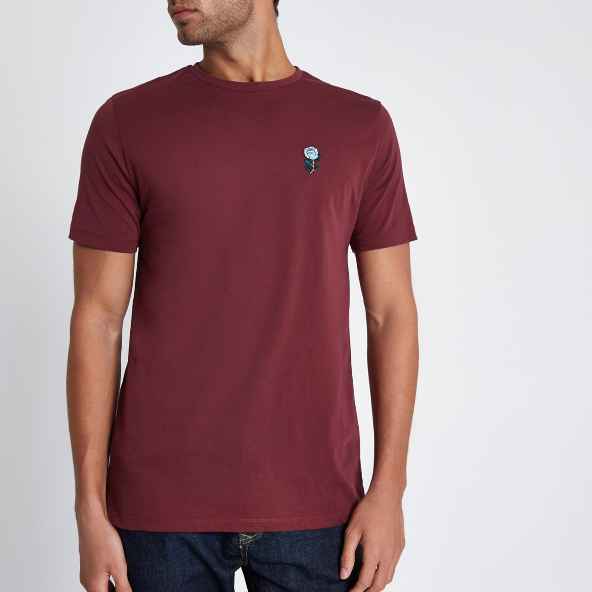 Burgundy rose chest embroidery slim T-shirt