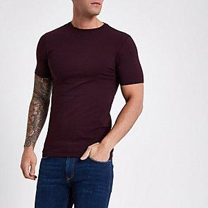 T-shirt ajusté rouge foncé à manches courtes