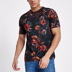 Blaues Slim Fit T-Shirt mit Blumen- und Fischprint