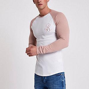 T-shirt blanc moulant brodé à manches raglan