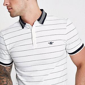 Weißes, gestreiftes Muscle Fit Poloshirt