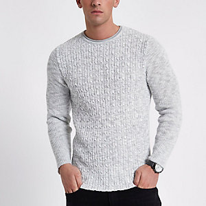 Grauer Muscle Fit Pullover mit Zopfmuster
