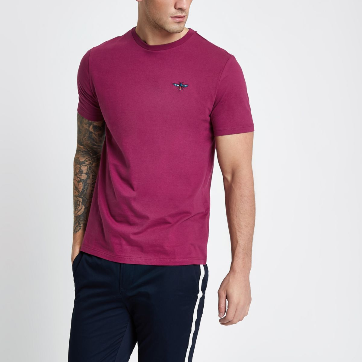 Pink slim fit wasp embroidery T-shirt