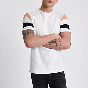 Crème slim-fit T-shirt met korte gestreepte mouwen