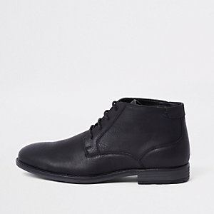 Black lace up chukka boot