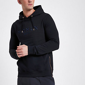 Concept – Sweat à capuche « MCMLX » bleu marine zippé sur le côté
