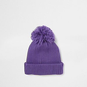 Bonnet violet à pompon