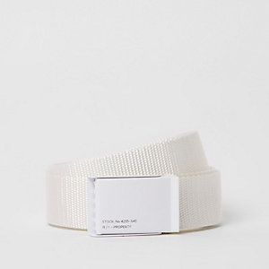White textured plate buckle belt