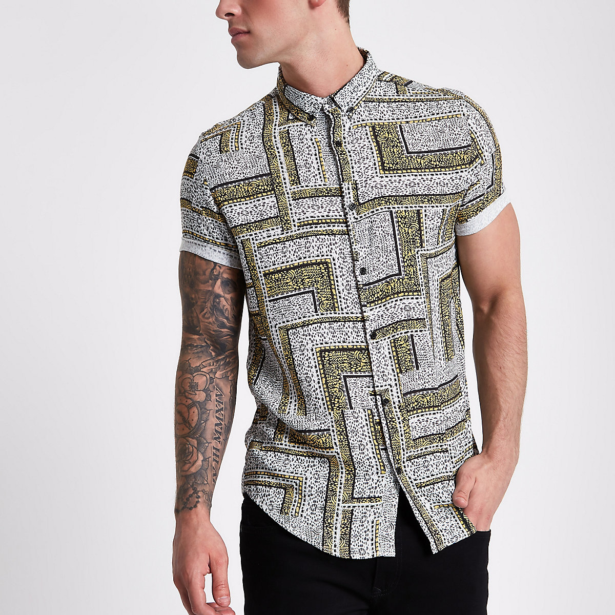 Grey and yellow tile print short sleeve shirt
