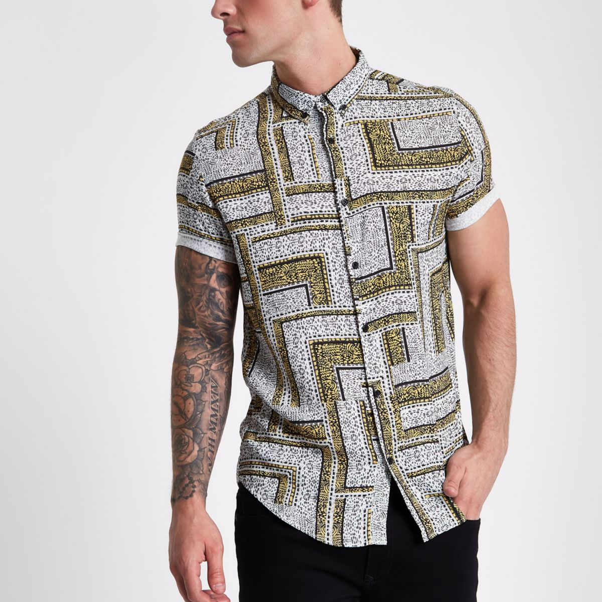 Grey and yellow tile print short sleeve shirt