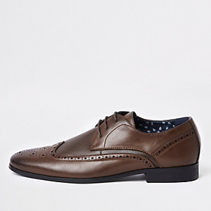 Brown textured panel brogues